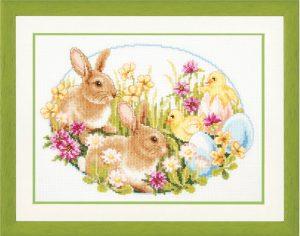 Broderi til påske Billede af harer og kyllinger